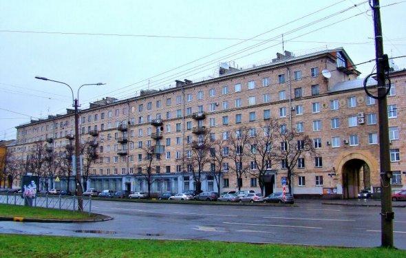 Отели возле метро Приморская